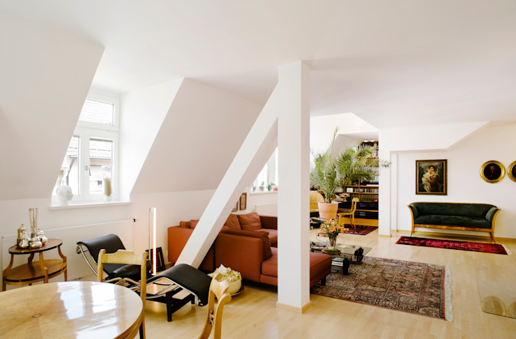 Classic style living room by Marius Schreyer Design Classic
