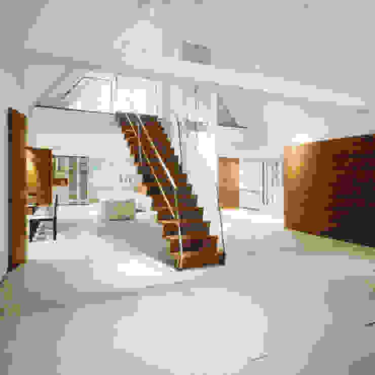 Modern living room by Marius Schreyer Design Modern
