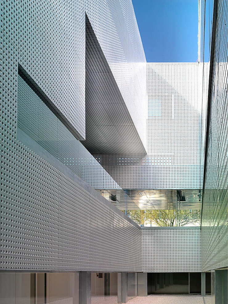 Escuelas de estilo moderno de MGM Morales de Giles Arquitectos SLP Moderno