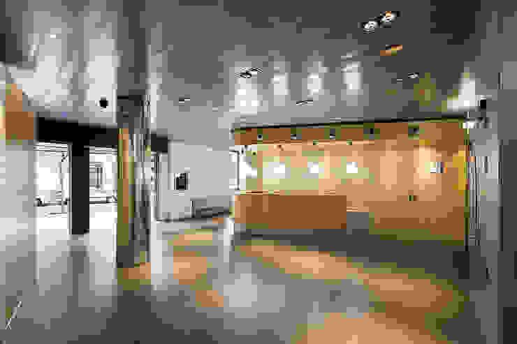 ARESA Clinic Edificios de oficinas de Octavio Mestre Arquitectos