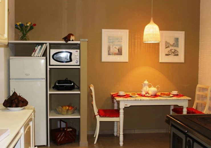 VALENTINA BONANDIN STUDIO TECNICO Rustikale Küchen