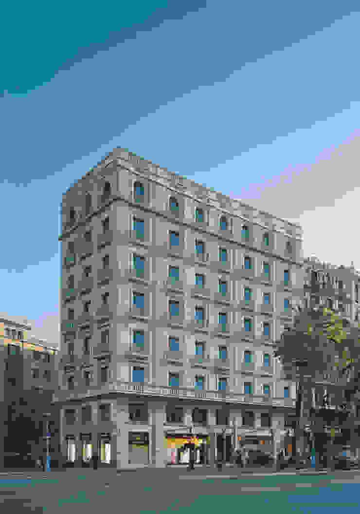 Classic style houses by Octavio Mestre Arquitectos Classic
