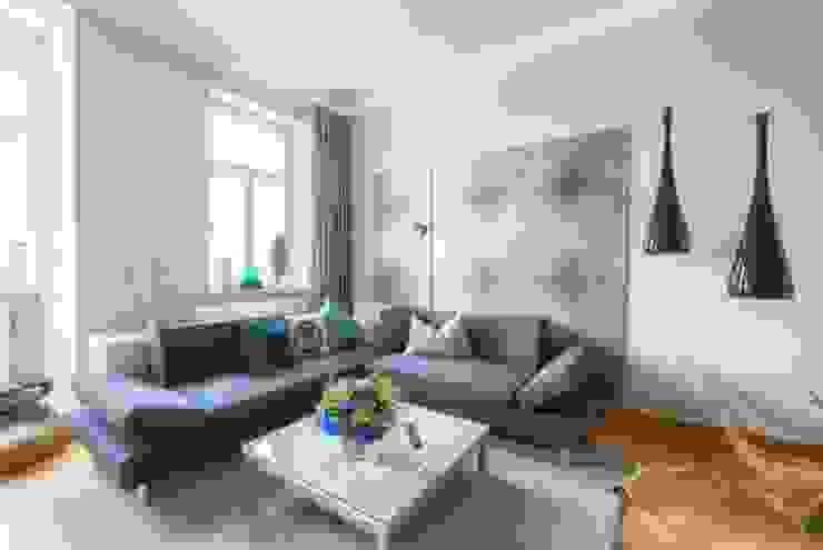Wohnzimmer in Jugendstil-Wohnung Klassische Wohnzimmer von tRÄUME - Ideen Raum geben Klassisch