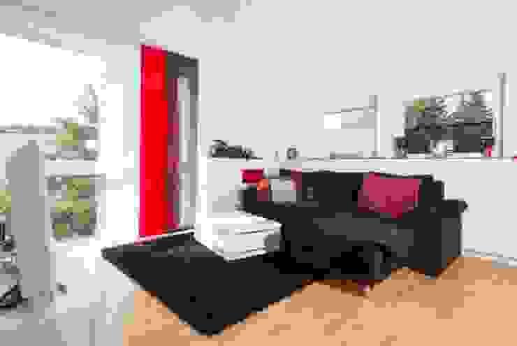 Modern nursery/kids room by tRÄUME - Ideen Raum geben Modern