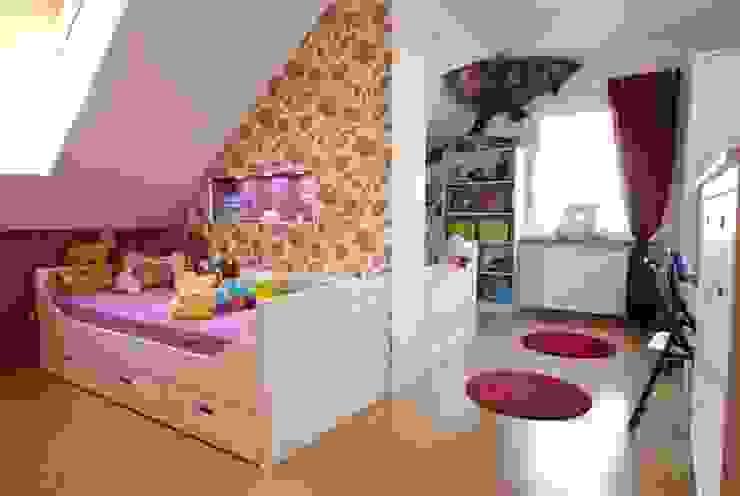 Kinderzimmer für zwei Geschwister Klassische Kinderzimmer von tRÄUME - Ideen Raum geben Klassisch