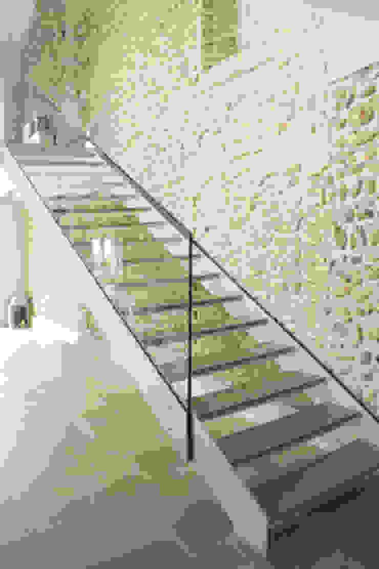 Residenza estiva Ingresso, Corridoio & Scale di archiplanstudio