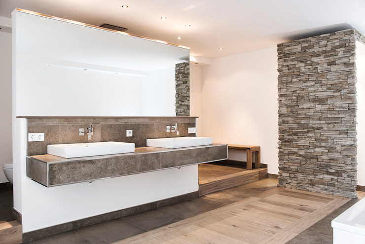 Moderne badkamers van Pientka - Faszination Naturstein Modern