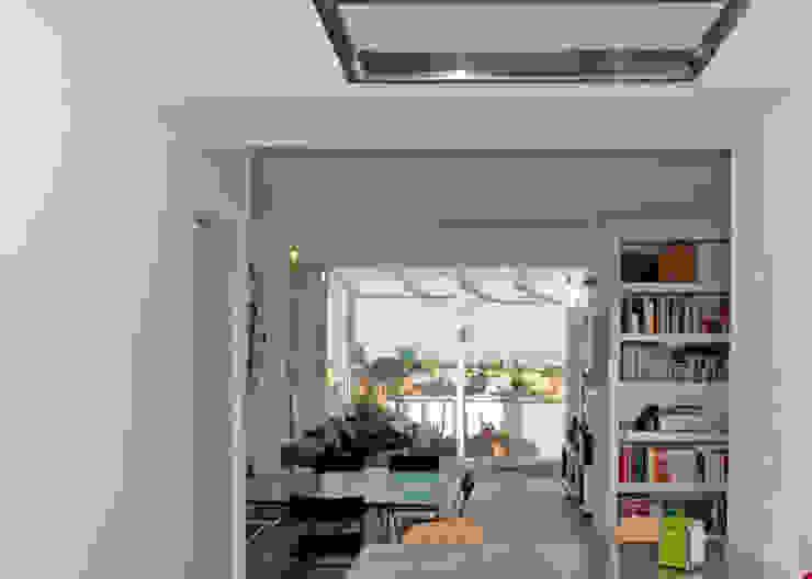 Modern Living Room by Fabiola Ferrarello Modern