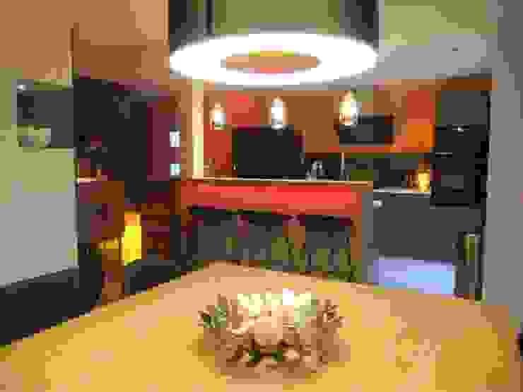 Cuisine, bar & salle à manger Salle à manger moderne par HOME feeling Moderne