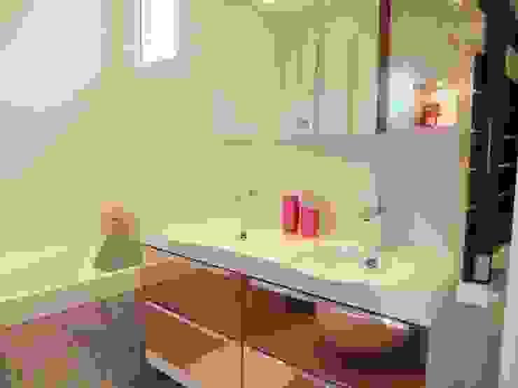 Salle de bain Salle de bain moderne par HOME feeling Moderne