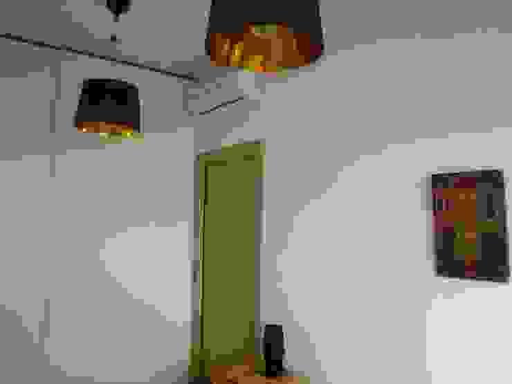 Ristrutturazione abitazione privata Camera da letto moderna di Barbato Design   LE Moderno