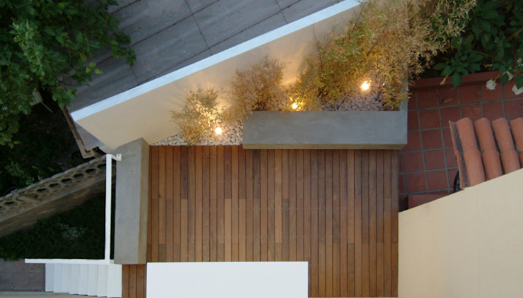 Modern Terrace by morana+rao architetti Modern