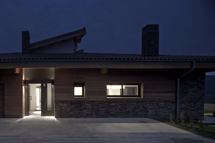 Vivienda en Urduliz Casas de estilo mediterráneo de IA+B arkitektura taldea Mediterráneo