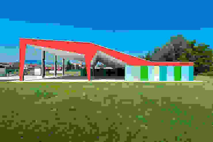 Nuovo padiglione delle feste a Barzago, Lc (2011-13) Sala multimediale moderna di sergio fumagalli architetto Moderno
