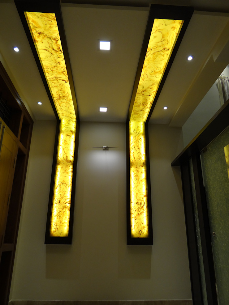 lobby Wall with backlit Alabaster sheets Modern corridor, hallway & stairs by Hasta architects Modern