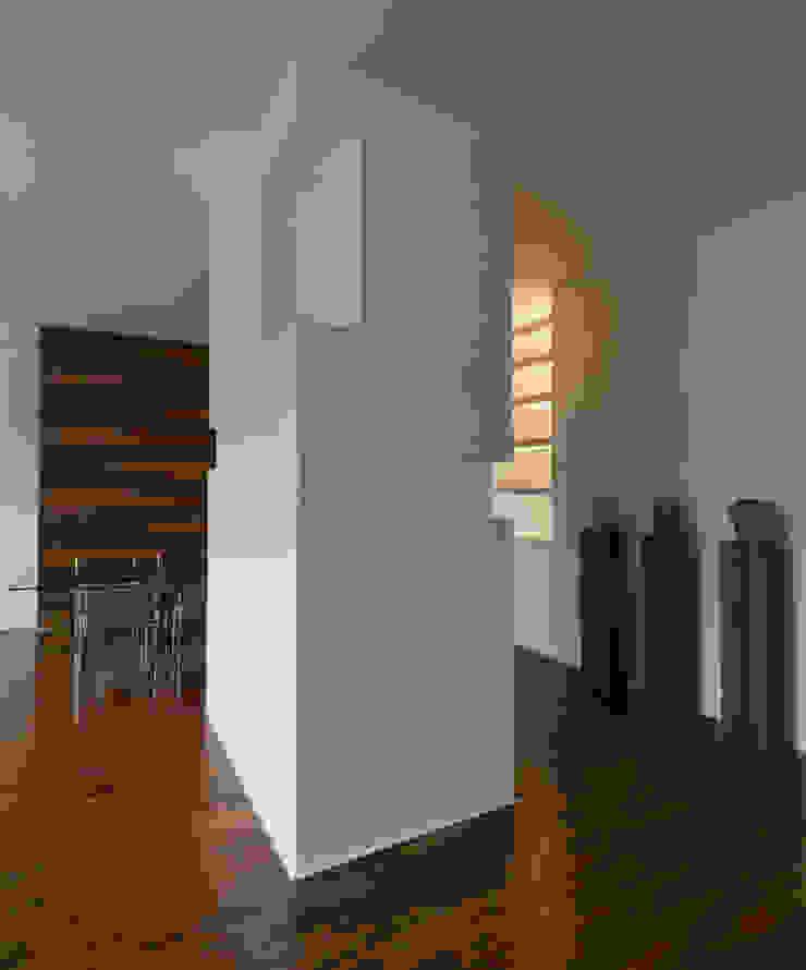 CASA GUGLIELMA Soggiorno minimalista di DELISABATINI architetti Minimalista