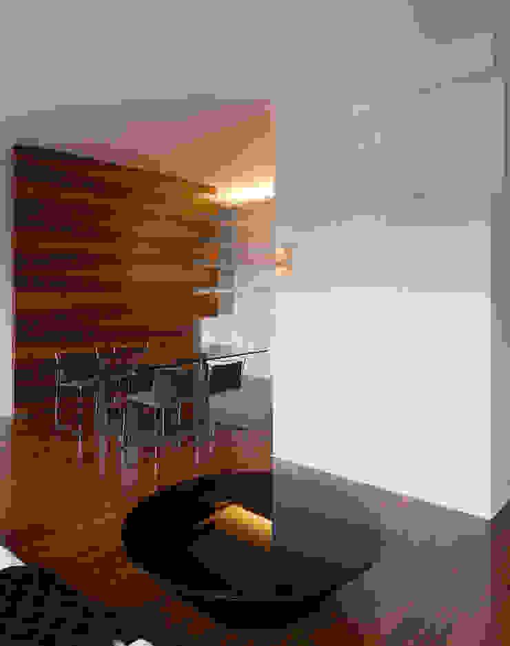 CASA GUGLIELMA Sala da pranzo minimalista di DELISABATINI architetti Minimalista