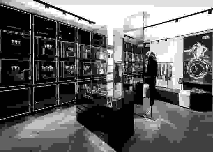 KARL LAGERFELD store in paris Moderne Geschäftsräume & Stores von plajer & franz studio Modern