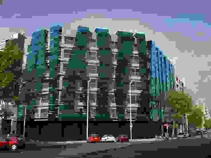 REFORMA FACHADA - Joan d'Austria 39-47 - Barcelona 2010 Casas de estilo moderno de DIAGONARC scp Moderno