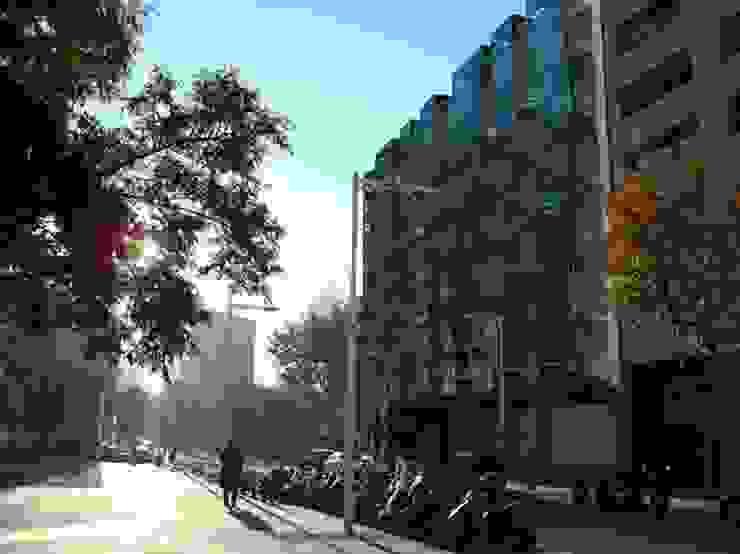 REFORMA FACHADA Casas de estilo moderno de DIAGONARC scp Moderno
