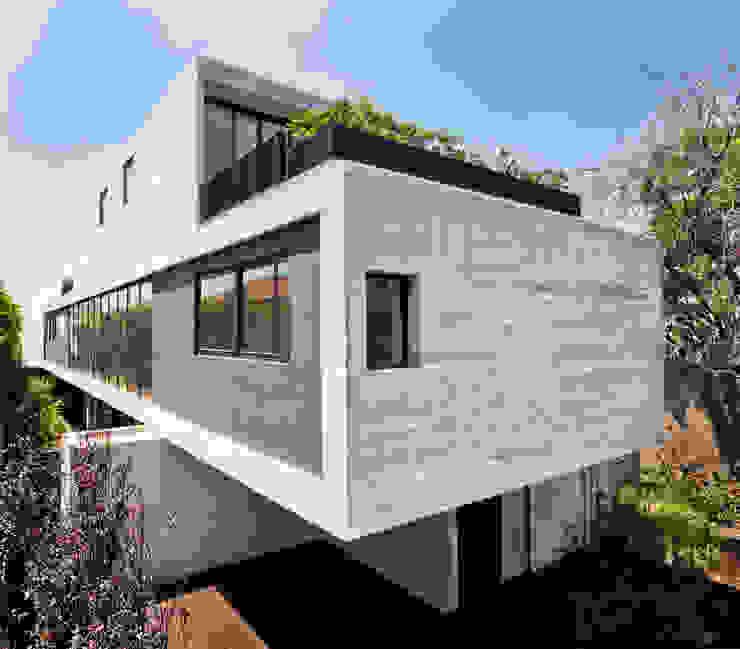 Rumah Modern Oleh © Sandra Pereznieto Modern