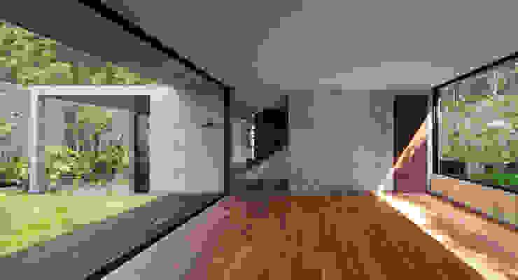 Salones modernos de © Sandra Pereznieto Moderno