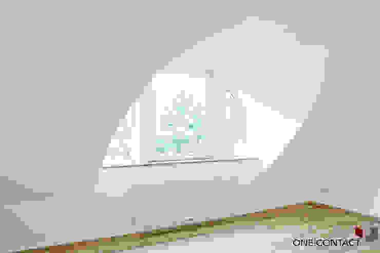 Modern Living Room by ONE!CONTACT - Planungsbüro GmbH Modern