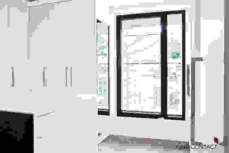 Modern Dressing Room by ONE!CONTACT - Planungsbüro GmbH Modern