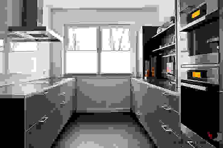 STILLE NOBLESSE Moderne Küchen von ONE!CONTACT - Planungsbüro GmbH Modern