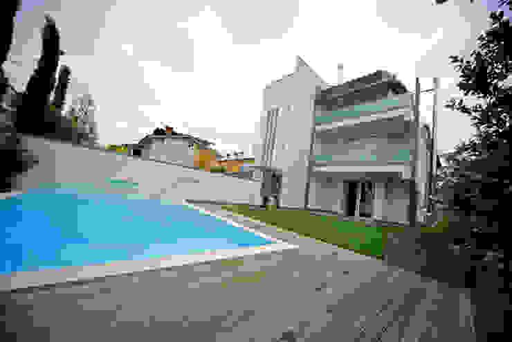 泳池 根據 Massimo Vallotto Architetto