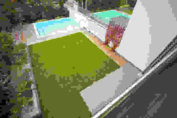 庭院 根據 Massimo Vallotto Architetto
