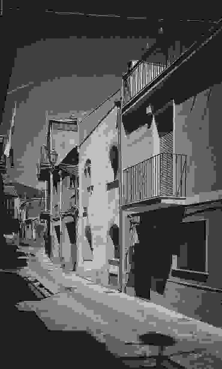 Ri_Scrittura di un'unità abitativa nel centro storico di Randazzo di turizzo2 Eclettico