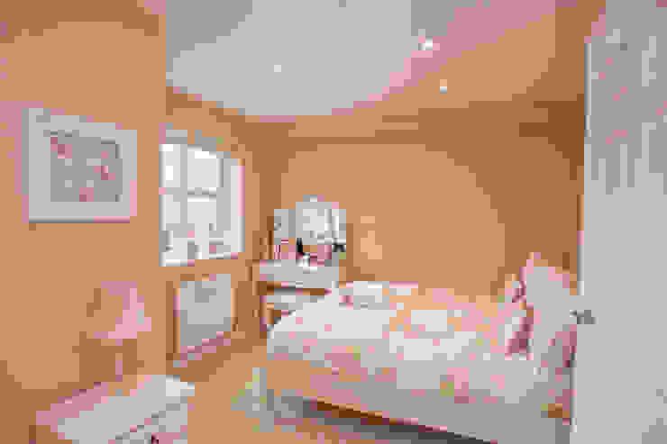 Girls Bedroom - Canary Wharf Millennium Interior Designers