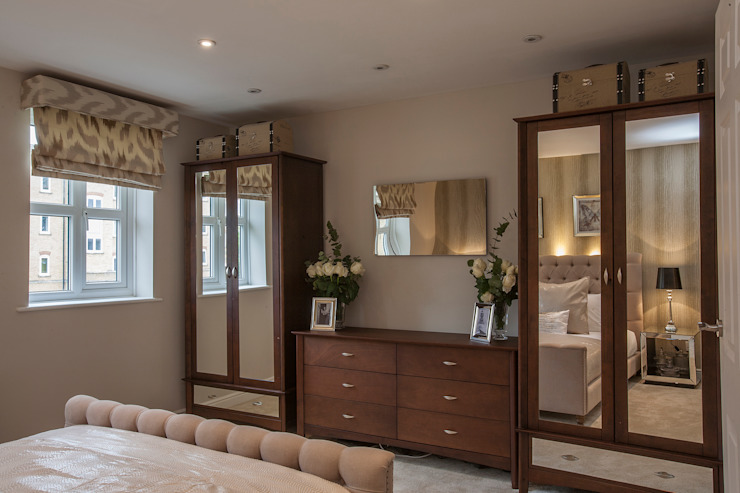 Bedroom _ Canary Wharf Classic style bedroom by Millennium Interior Designers Classic