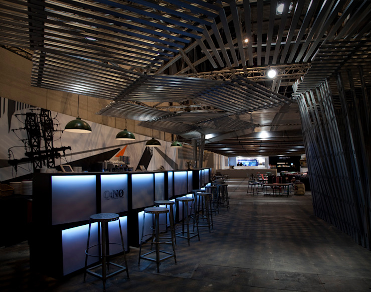Bar Sala VIP ARCOmadrid 2013 Oficinas y tiendas de estilo industrial de Q:NØ Arquitectos Industrial