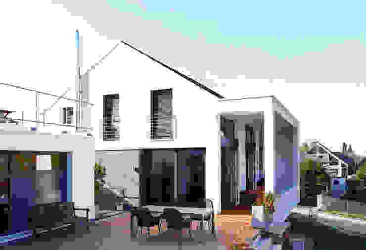 Giebelseite Moderne Häuser von BITSCH + BIENSTEIN Architekten PartGmbB Modern