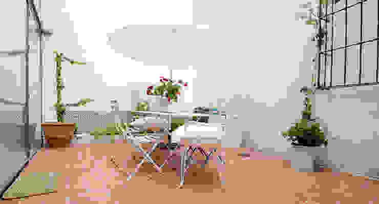 Eklektyczny balkon, taras i weranda od homify Eklektyczny