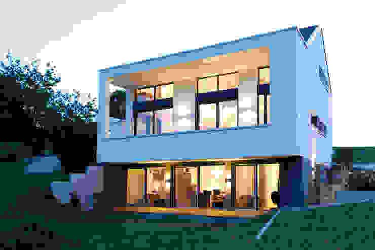 Gartenseite Moderne Häuser von BITSCH + BIENSTEIN Architekten PartGmbB Modern