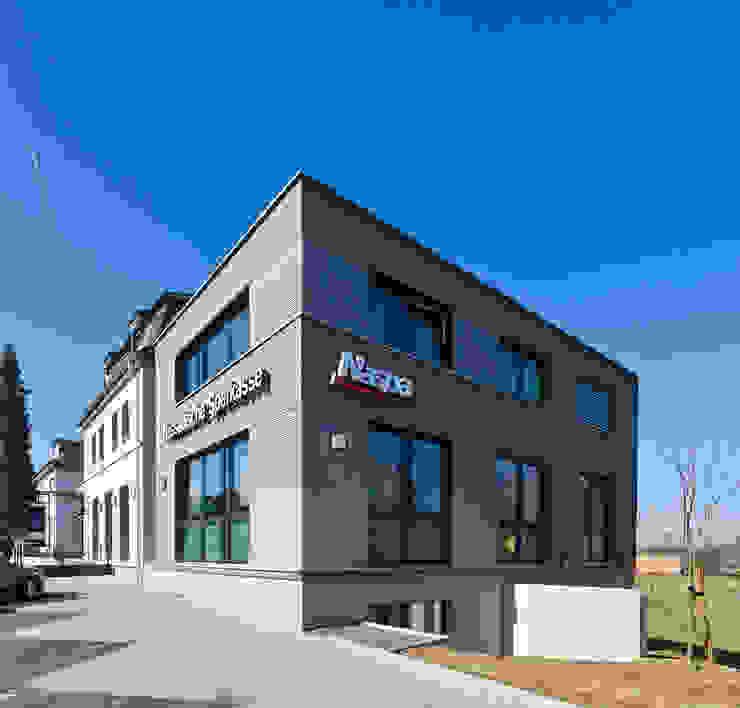 Blick auf den Neubau Moderne Bürogebäude von BITSCH + BIENSTEIN Architekten PartGmbB Modern