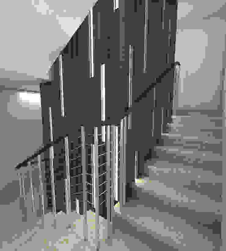 Couloir, entrée, escaliers industriels par Q:NØ Arquitectos Industriel