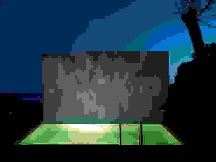 Villa ISAKY Piscine moderne par Paul Franceschi Moderne