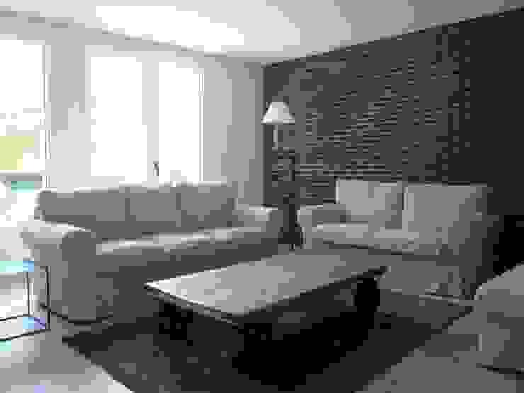 Restructuration et décoration d'un appartement de 90m² dans les Yvelines : Le salon Cuisine industrielle par Delphine Gaillard Decoration Industriel