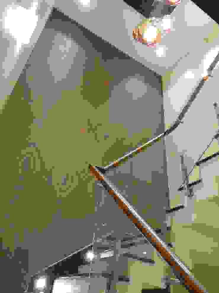 stairwell Modern corridor, hallway & stairs by Hasta architects Modern