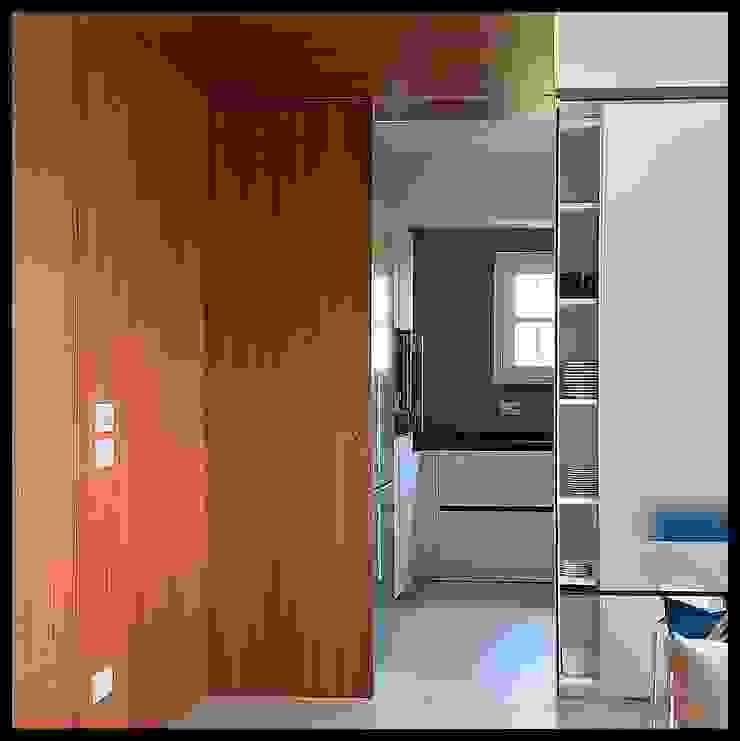 Interno casa C (2013) Cucina moderna di sergio fumagalli architetto Moderno