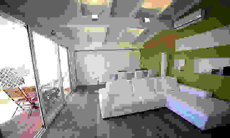 mansarda a Cagliari Soggiorno moderno di C+C ITALIAN DESIGN Moderno