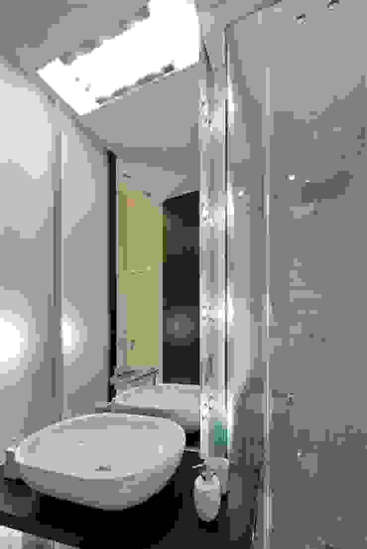 Appartamento MF Bagno moderno di Studio di Architettura SIMONE GIORGETTI Moderno