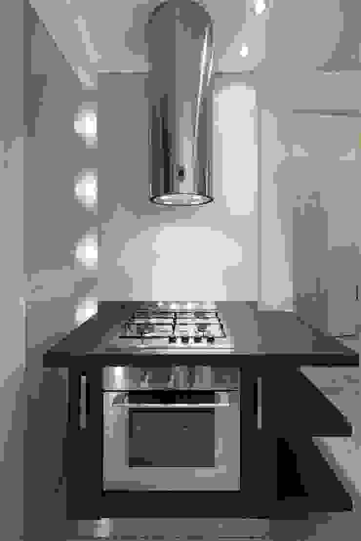 Appartamento MF Cucina moderna di Studio di Architettura SIMONE GIORGETTI Moderno