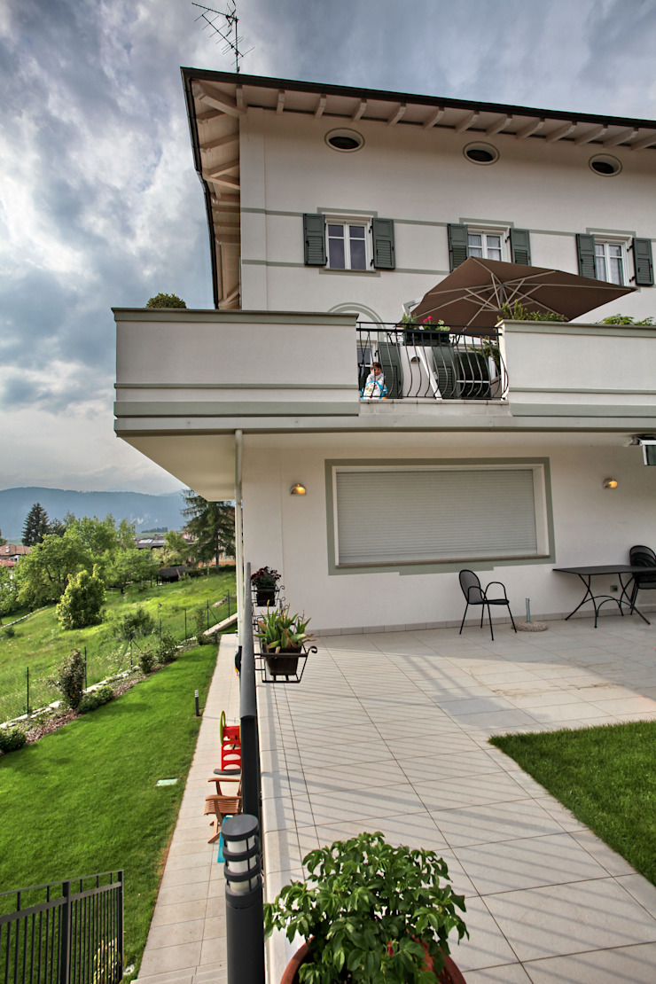 le terrazze Case moderne di luca pedrotti architetto Moderno