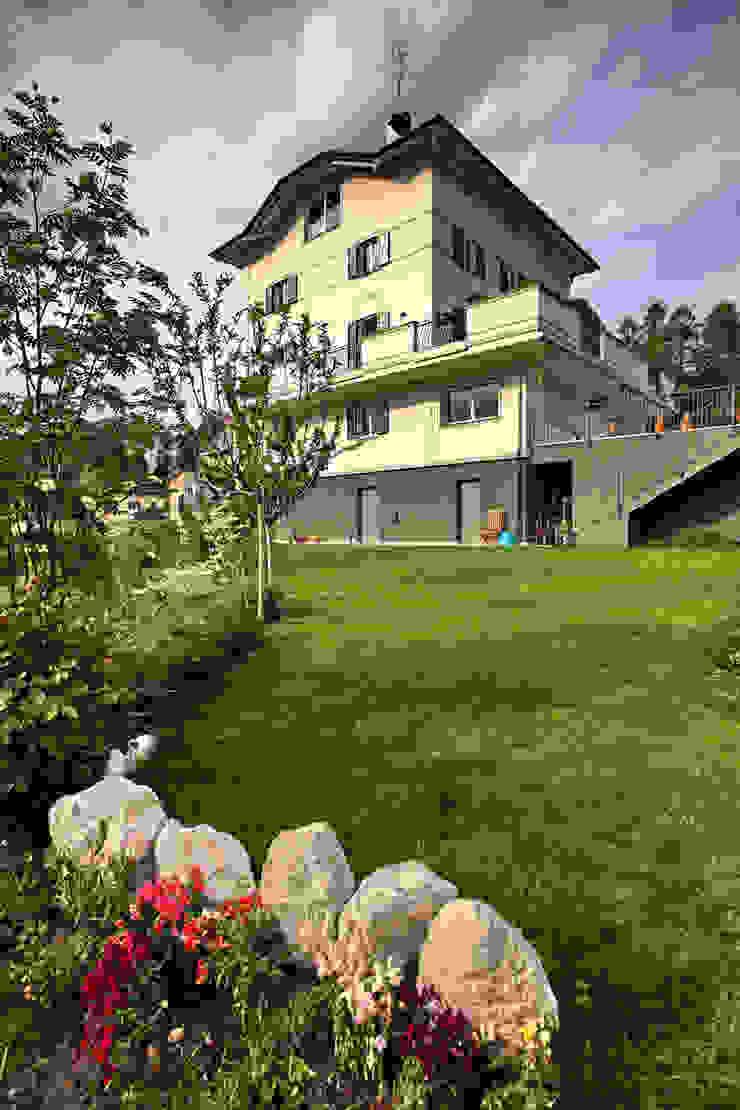 la casa dal giardino Case moderne di luca pedrotti architetto Moderno