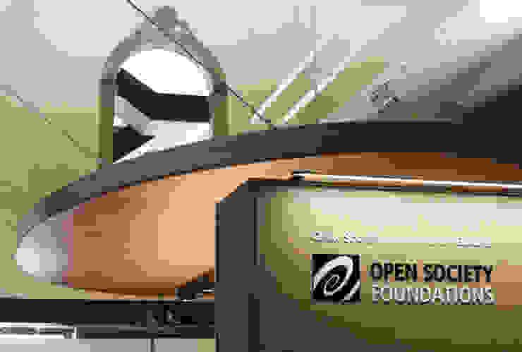 Sede de Fundación Open Society en Barcelona Oficinas y tiendas de estilo moderno de Fustacolor SL Moderno
